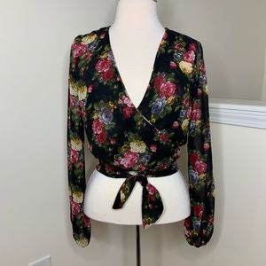 🎉5 for $25🎉 Floral Wrap Blouse